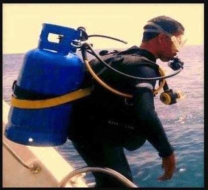 berenang pake tabung gas