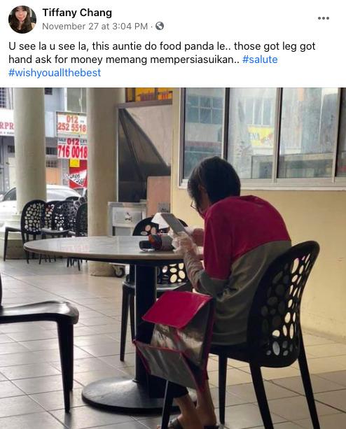 Nenek Yang Tetap Bekerja Sebagai Pengantar Makanan