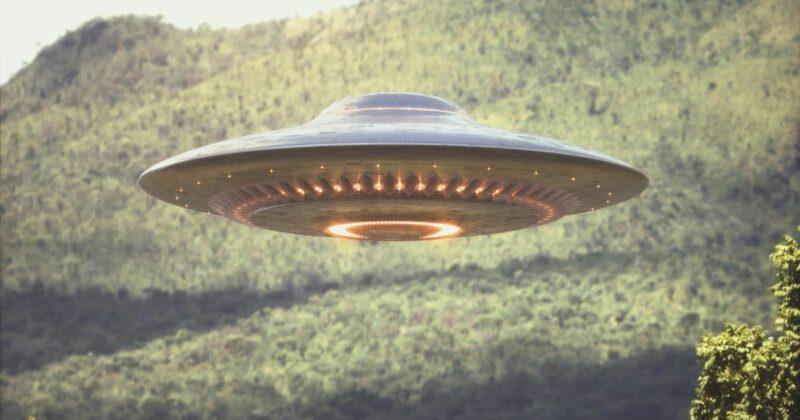 Istri Ngidam Ingin Naik Ufo