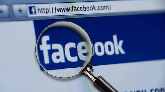 Memeriksa Teman Di Facebook