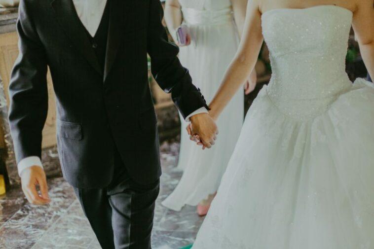 Mempelai Pria Kabur Di Hari Pernikahan, Pengantin Ini Menikah Dengan Tamu Undangan