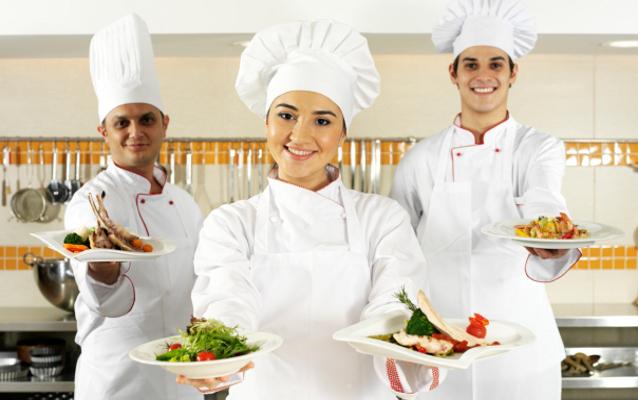 Sejarah Topi Putih Koki Para Chef