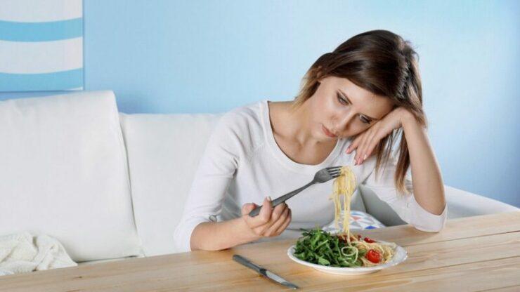 Suka Makan Saat Stress, Itu Tanda Kamu Mengalami Emotional Eating