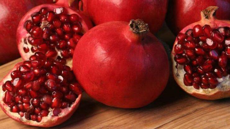 Manfaat menyehatkan makan buah delima