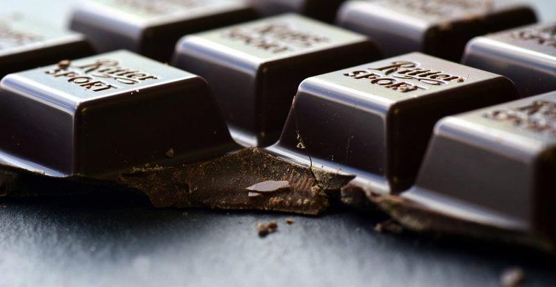 mitos cokelat