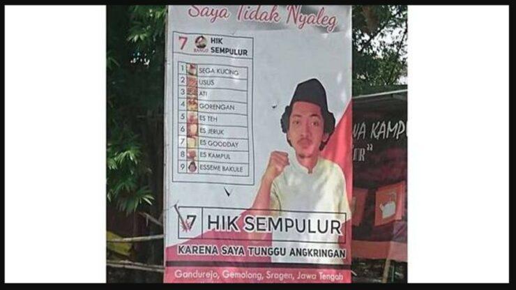 Gokil, Penjual Angkringan Ini Promosikan Dagangannya Dengan Baliho Mirip Politisi Kampanye
