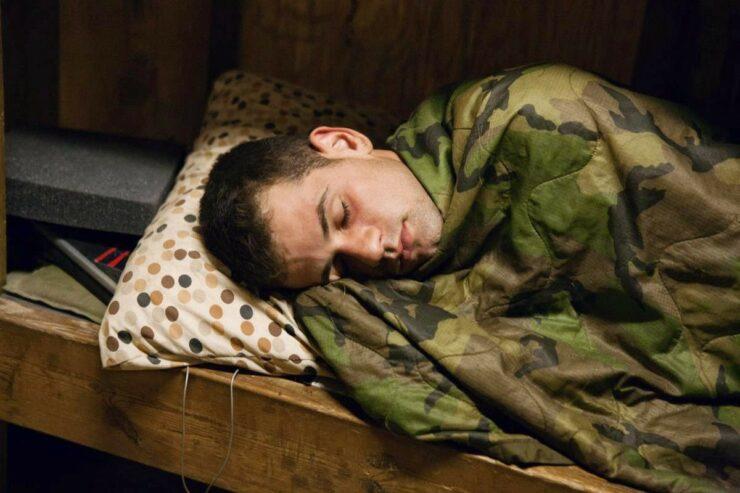 Mengenal Trik Tidur Ala Militer, Tertidur Dalam 2 Menit