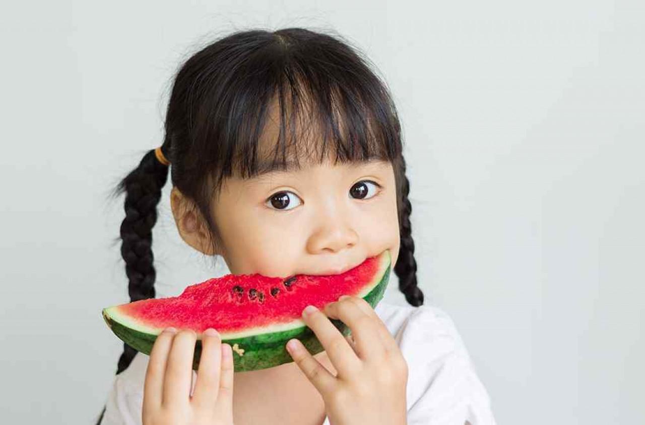 Mitos Makan Buah