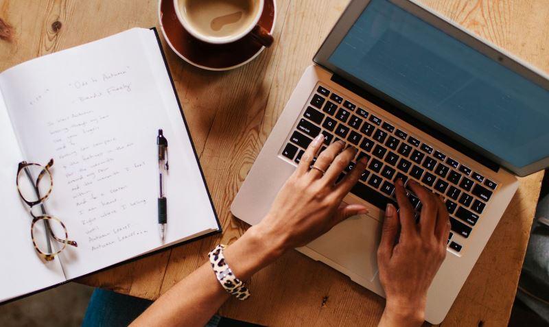 Stocksy Woman Writing Laptop 476082 57ab432d3df78cf459975331