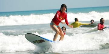 Sekolah Surfing Bali