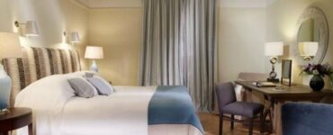 Alasan Tidak Ada Jam Dinding Di Kamar Hotel