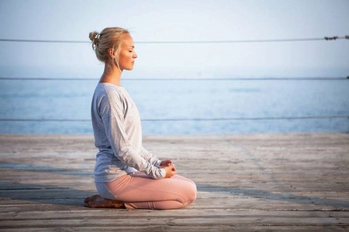meditacii dlya zhenshchin celi provedeniya i effektivnye praktiki 17