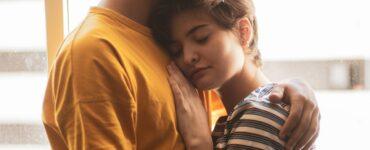 5 Tips Buat Pasangan Mau Terbuka Tanpa Harus Memintanya Langsung