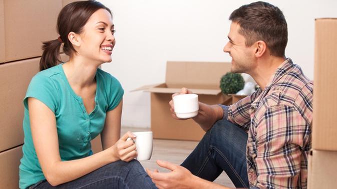 Menjadi Pendengar Yang Baik Agar Pasangan Mau Terbuka