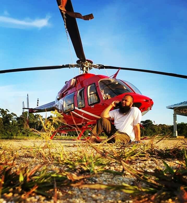 Pengusaha Sukses Yang Berhasil Membeli Helikopter