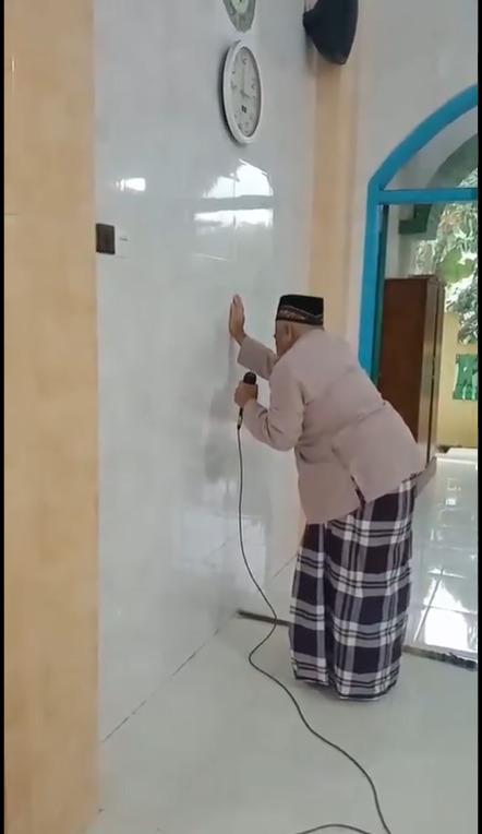 Rajin Kumandangkan Adzan Di Masjid