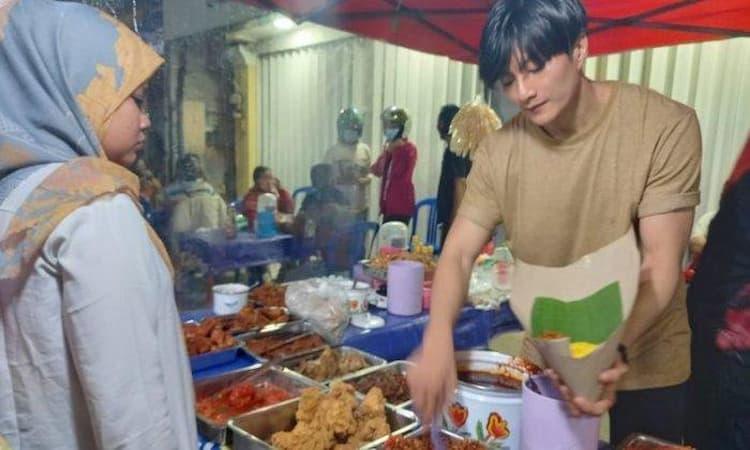 Penjual Nasi Kuning Di Samarinda Mirip Aktor Korea