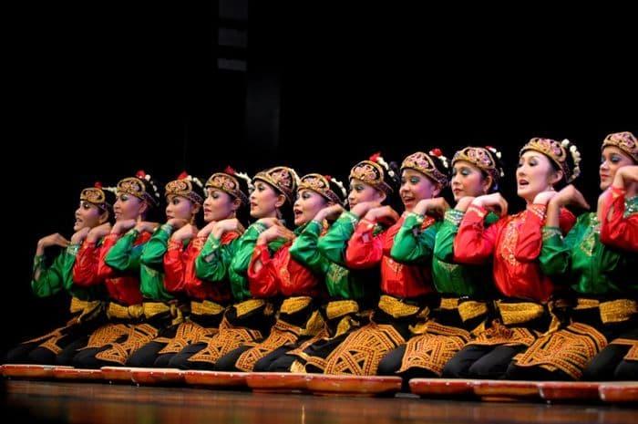Contoh tari tradisional Tari Saman
