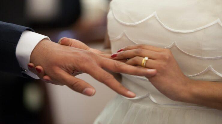Aneh, Suami Di India Bantu Istrinya Menikah Dengan Selingkuhan, Alasannya Haru