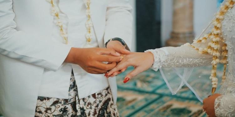 Hukum Menikah Dengan Sepupu Dalam Islam